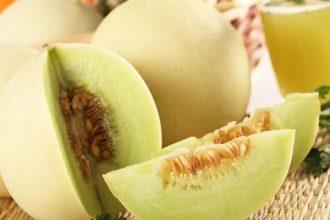 Vì sao ăn dưa lê không nên bỏ hạt? ...