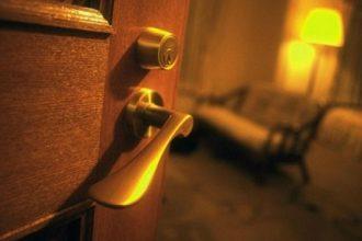 Qua đêm ở khách sạn, nhà nghỉ khi đi du ...