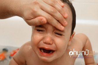 Bé có 6 triệu chứng này, bố mẹ phải hành ...