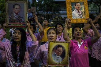 Tin mới nhận: nhà vua Thái Lan vừa mới băng ...