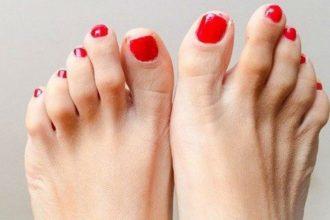 Ngón chân trỏ dài hơn ngón chân cái và cái ...