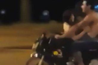 Cặp đôi máu lửa chở đèo nhau trên xe máy, ...