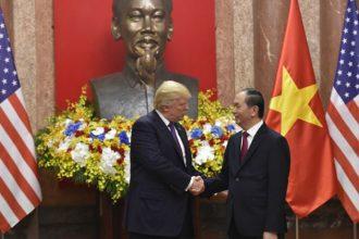 Forbes: Việt Nam là nước thành công nhất khi đón ...