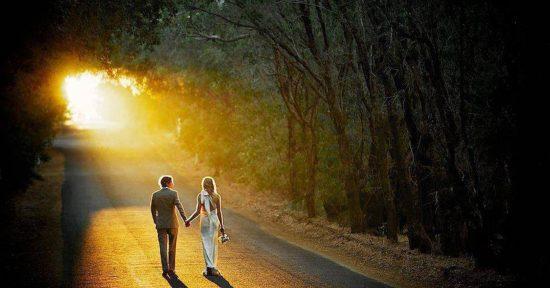 Cùng bạn đi đến cuối con đường, mới thật sự là yêu.(Ảnh: Internet)