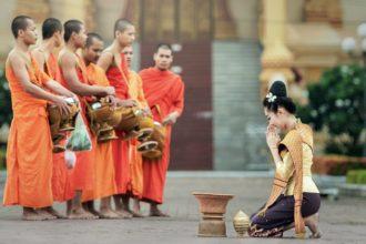 Phật dạy: Phúc đức tại mẫu, phụ nữ làm 2 ...