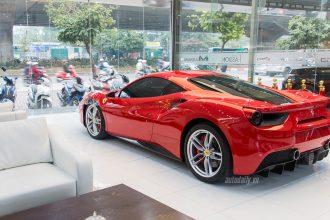 """Tuấn Hưng chi hơn 5000$ """"làm đẹp"""" siêu xe Ferrari ..."""