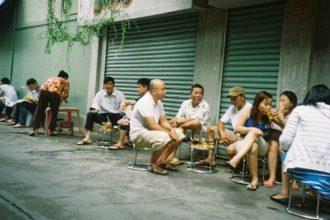 Ở Sài Gòn, cái áo cái quần chẳng nói lên ...