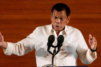 Tổng thống Philippines Duterte đòi tăng lương để nuôi 2 ...